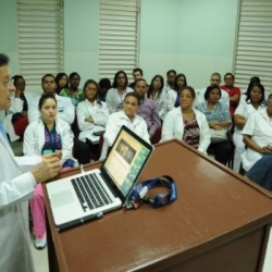 "Dictan conferencia sobre ""asma bronquial"" en Hospital Infantil Santo Socorro"